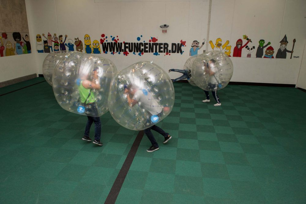 Bubble soccer i eventhal 1 hos FunCenter Aalborg
