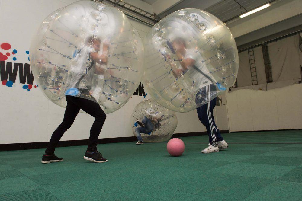 bubblesoccer med kollegaer